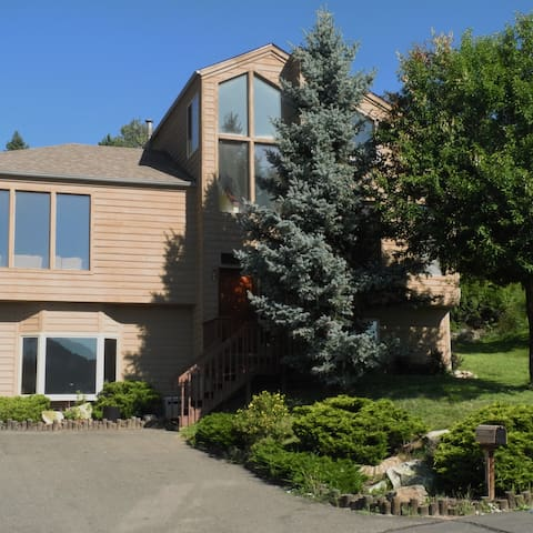 4BR/3B Evergreen Mountain Home