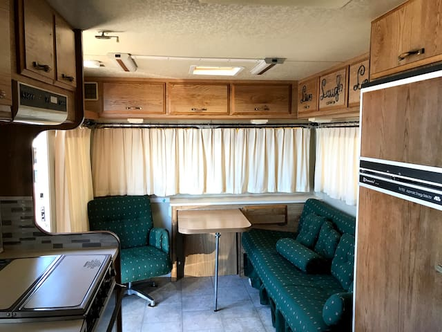 Cozy RV with Everything you Need