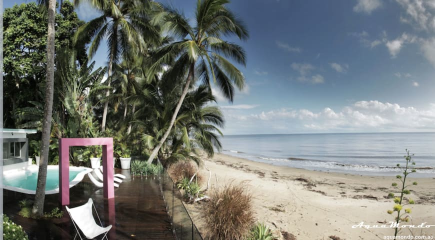 On the Sand: AquaMondo (Pet Friendly) - Machans Beach - House