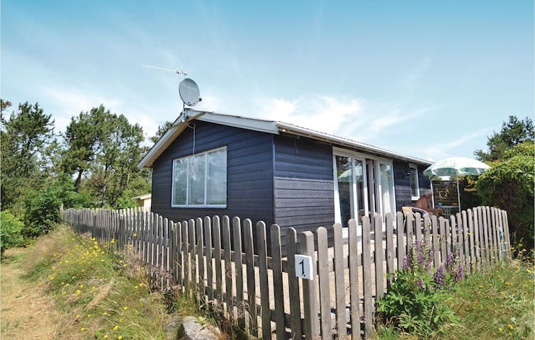 Holiday cottage with 2 bedrooms on 41m² in Løgstør