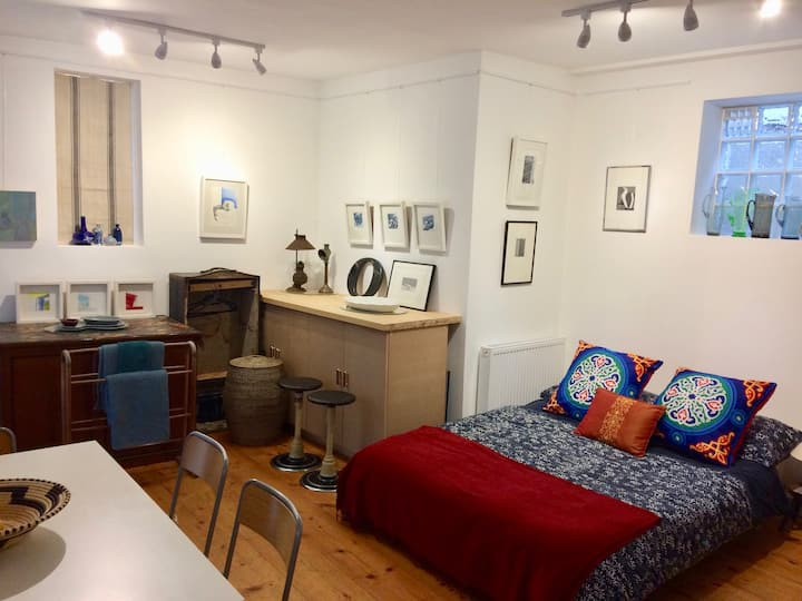 Private Studio in the heart of Hastings Old Town