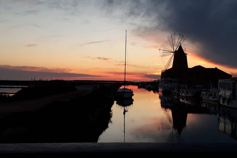 Lo stagnone di Marsala vi aspetta per un romantico aperitivo al tramonto.