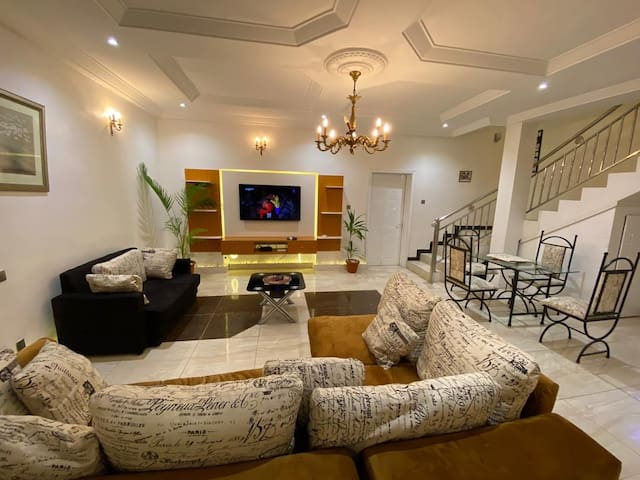 A stunningly comfortable house in Lekki Chevron