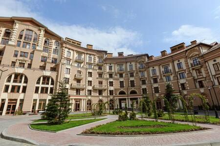 Апартаменты на поляне (канатная дорога включена)
