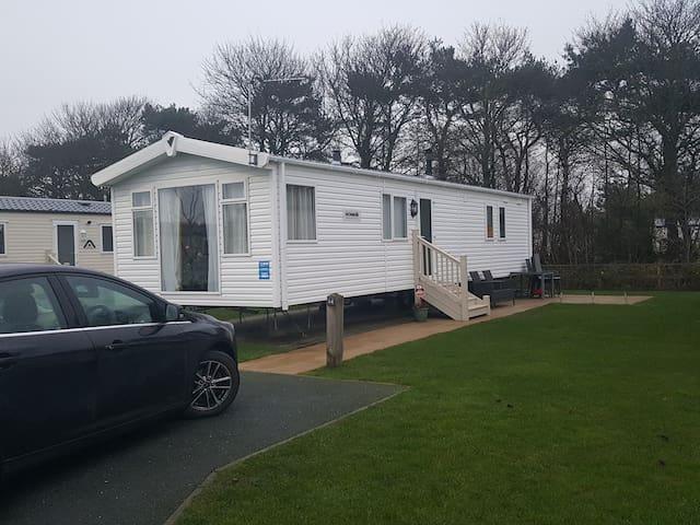 Flookbrough haven lakeland           caravan hire