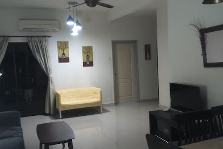 Convenience Room From a Host Who Also A Traveler! - Petaling Jaya