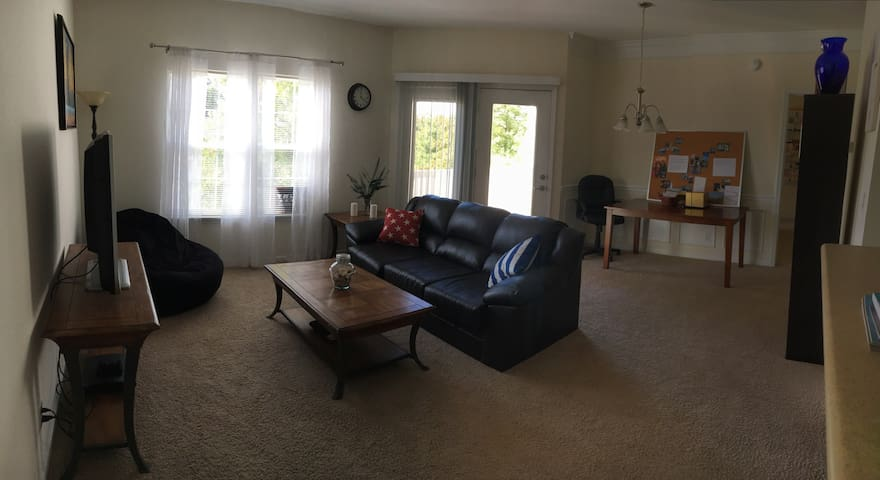 Conveniently located 1BD apartment - Columbia