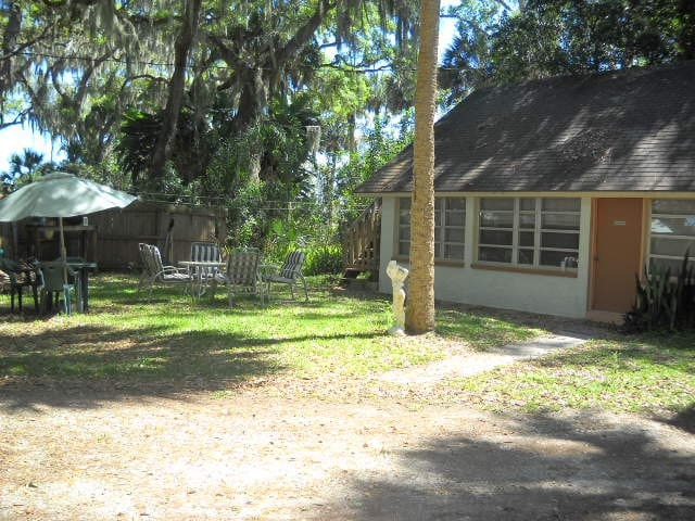 Waterfront A Bit Of Paradise  1BR/1BT Cottage VR 1 - Titusville