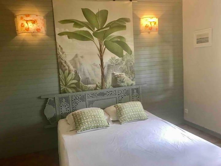 Chambre spacieuse près du lagon