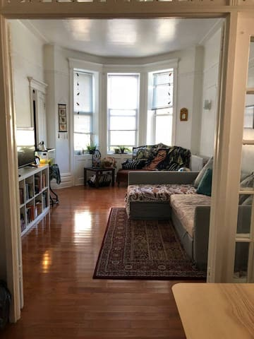 Bright room in Brooklyn historic district
