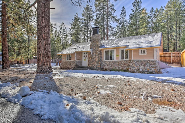 NEW! 3BR Cabin-Less than 1/2 Mile to Big Bear Lake