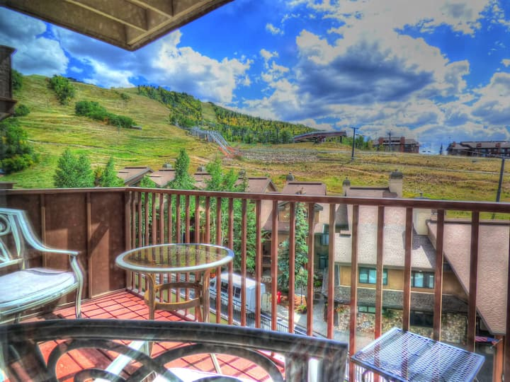 🌼Charming Mtn Views + Patio ⎮Hot Tub ⎮ WIFI 🌟