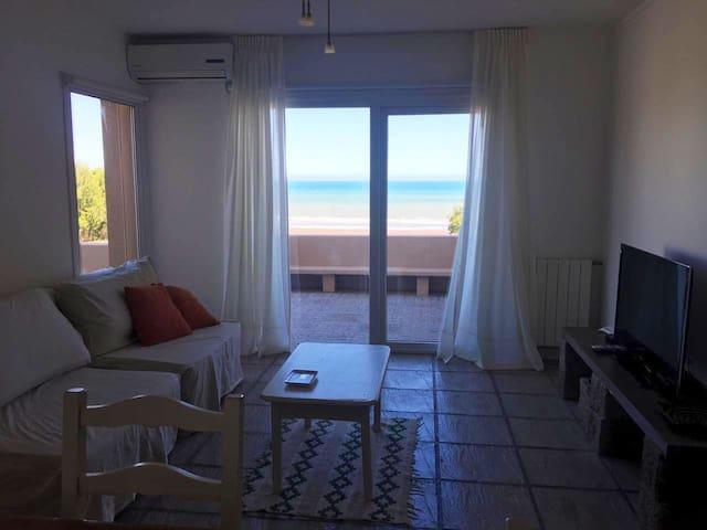 BARRIO MEDANOS Excepcional apartamento en la playa