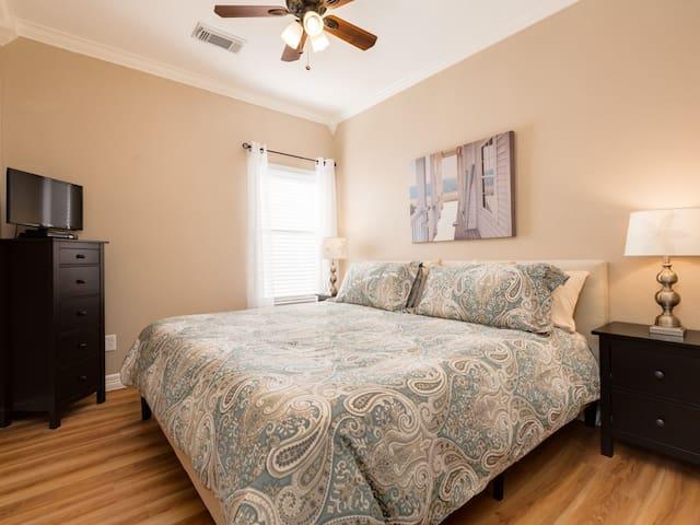 King bedroom #2 w/ tempurpedic mattress and HD television.