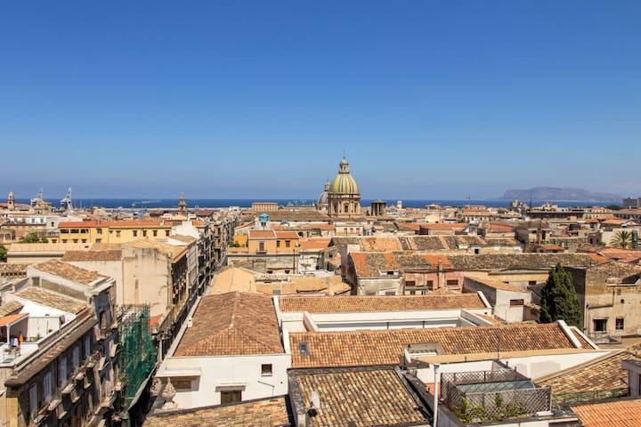 Appartamento colorato e luminoso a Palermo - Palermo - Lejlighed