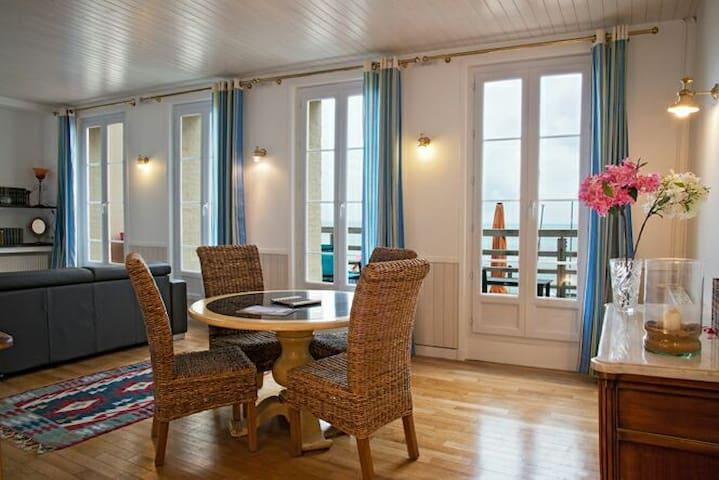 LE NOROIT, LE COURLIS. Appt de luxe face a la mer!