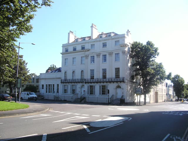 Penthouse Apartment in Leamington Town Centre
