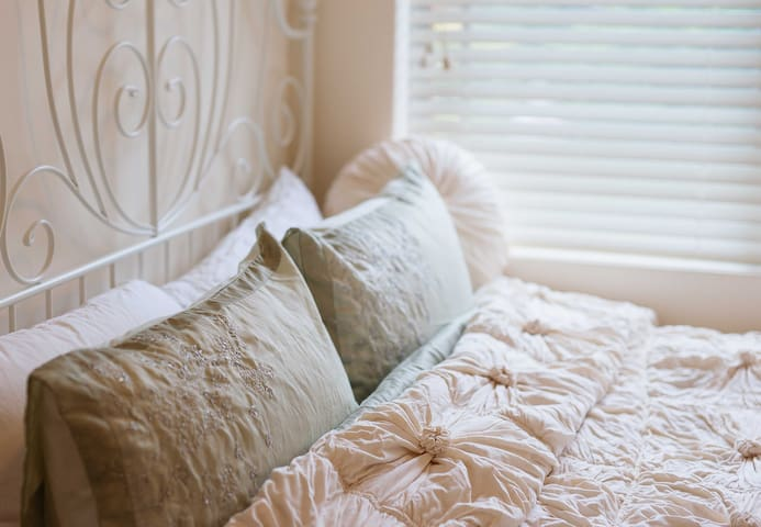 Cosy Hideaway #Inner West Lifestyle - Dulwich Hill - Apartment