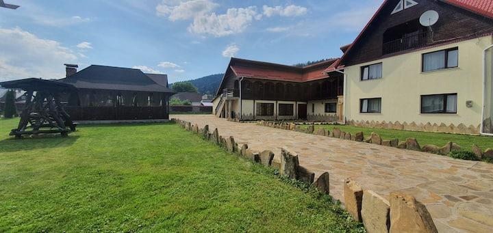 Pensiune in judetul Suceava, comuna Putna