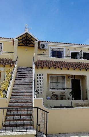 Casa Joleen 1, 2 bed apartment facing a pool
