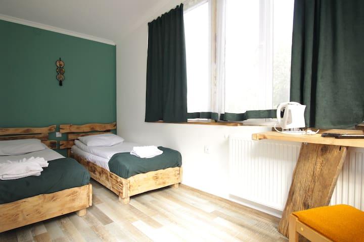 INSOMNIA  HOTEL. bedroom 2
