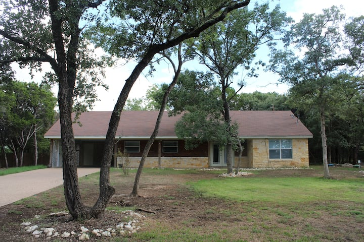 Large One Bedroom Home in China Spring, TX