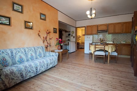 Cozy apartment lago d'Iseo - Costa Volpino - บ้าน