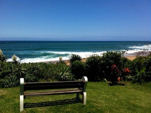 THE BEACHES - GARDEN COTTAGE - Port Shepstone - Hytte (i sveitsisk stil)