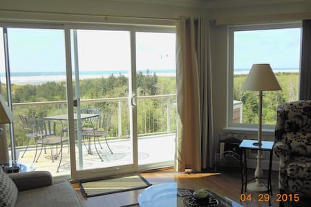 Vista Del Mar-Oceanfront--Sweeping Million-$ View!