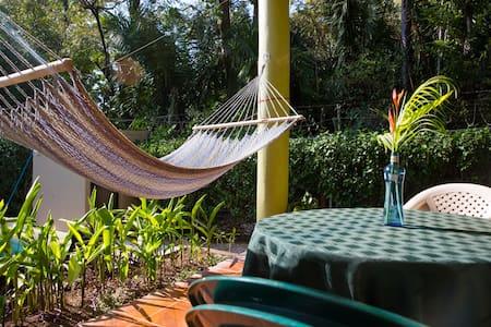 Casa Aloha on Calle los Mangos - Playa Guiones - House