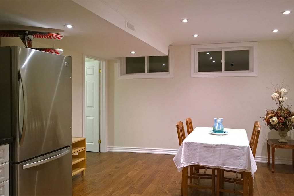 Cozy 3 bedroom 2 bath house apartment houses for rent - 3 bedroom apartments for rent toronto ...