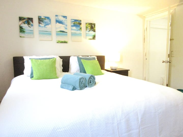 2 BR Apt -> King Bed, Walk Wex Med Ctr, Short Nrth