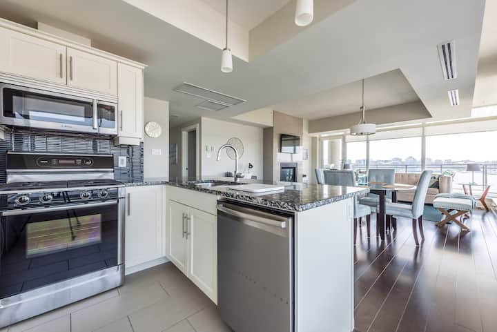 Luxury Penthouse with Halifax Harbour Views