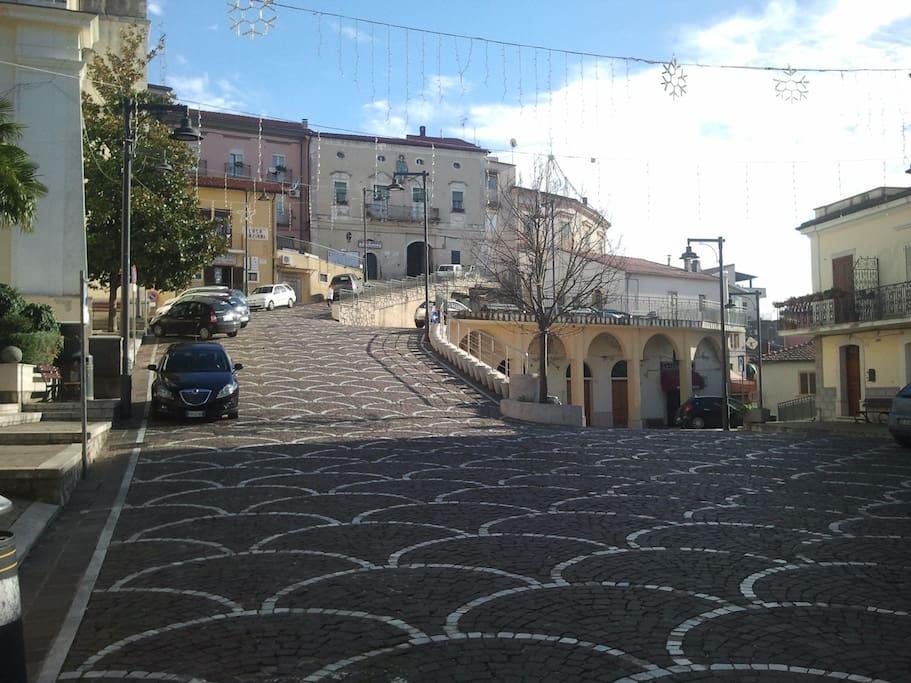 La piazza di Capriati a Volturno