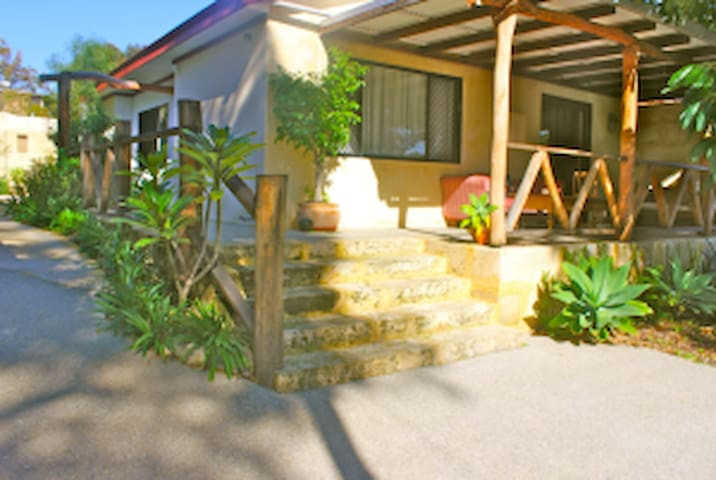 Freostays' Kraal Guest House - White Gum Valley - House