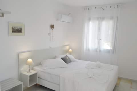 Apartamentos Heart of Paros - Irini Studio