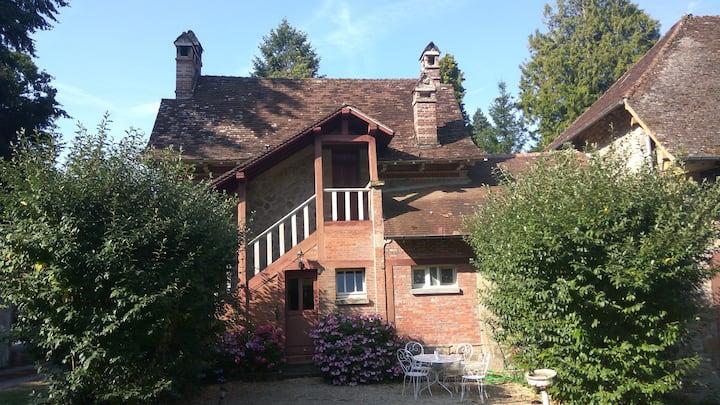 La Petite Maison,   cottage at  chateau Constant