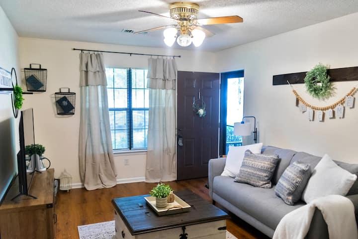 Cozy & Convenient Prattville Town Home