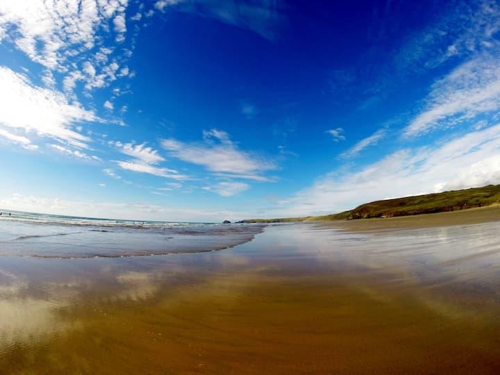 Surfers Studio / Annex Perranporth Cornwall