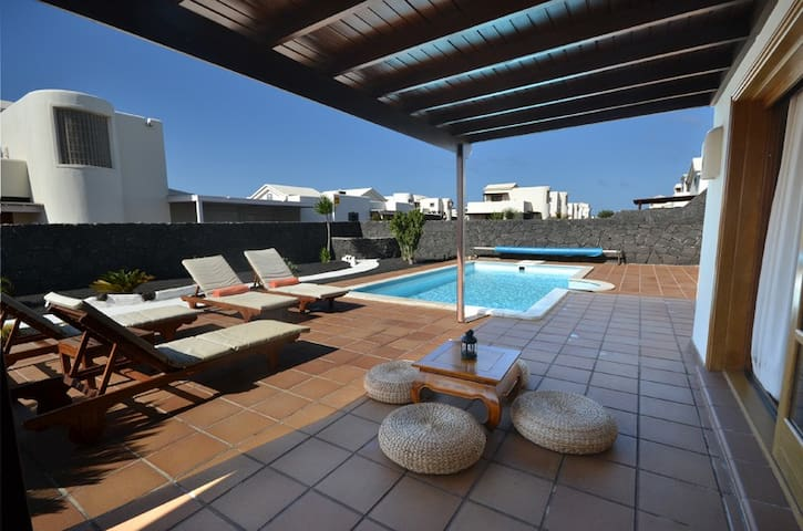NEU! Sehr schöne Villa in Lanzarote