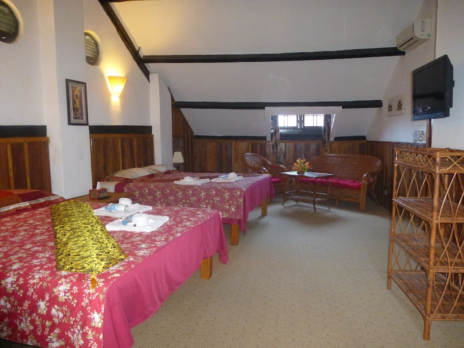 Two 1,6m wide beds, The Loft can comfortably host 4 people.