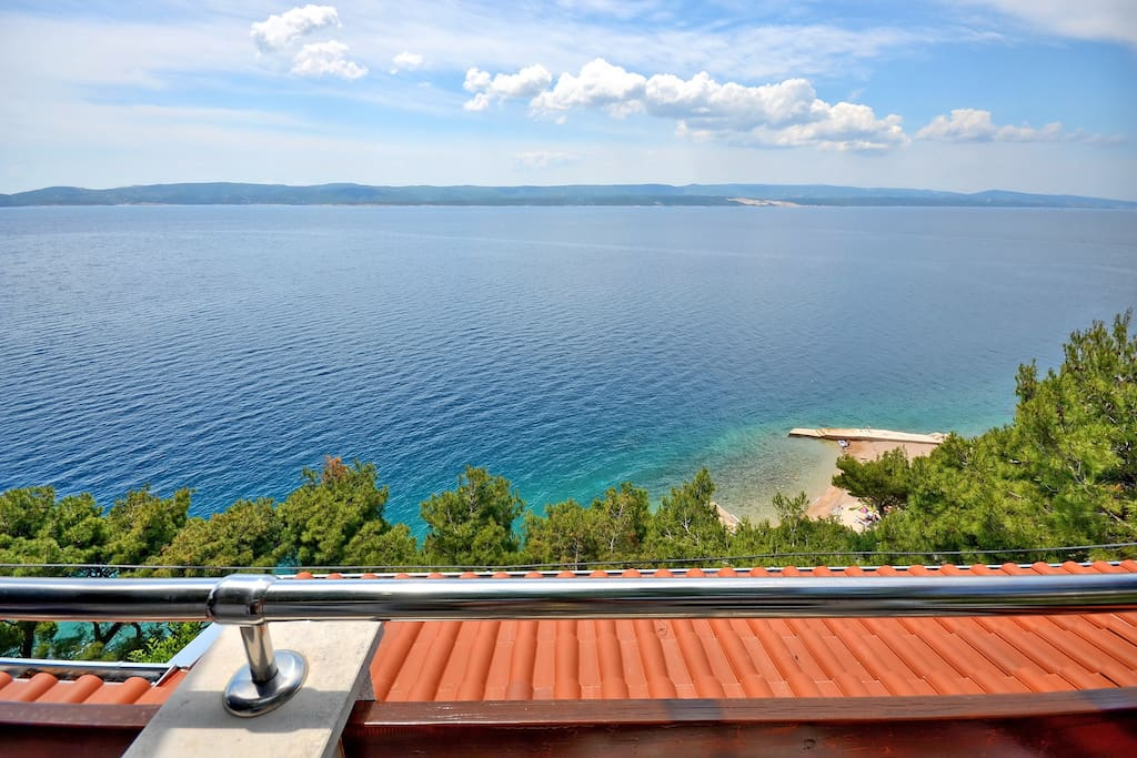 All interior photos refer to the apartment Andrija. The sea view from the apartment!