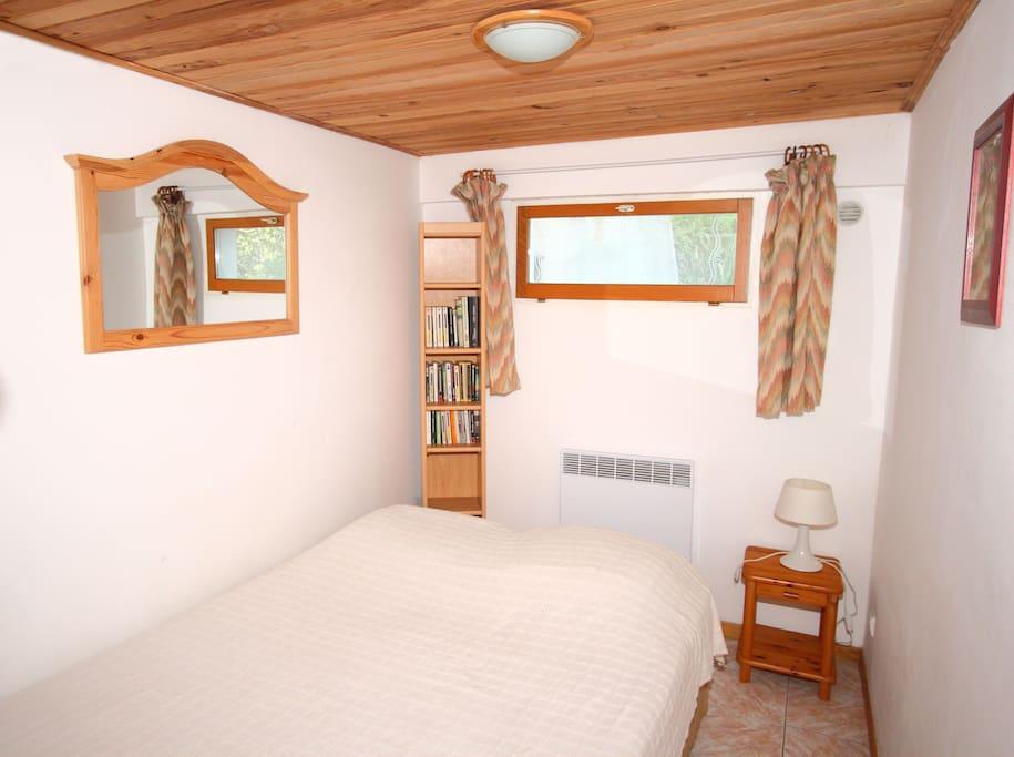 chambre lit en 140....