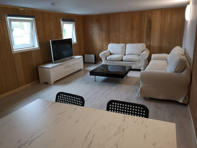 Central apartment, preikestolen, fully equipped!