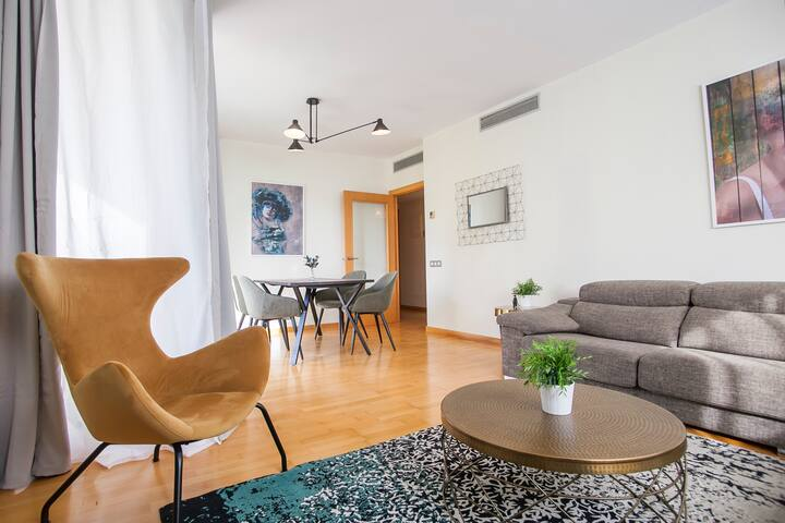 Apt for 6, free parking and swimming pool (FO3)
