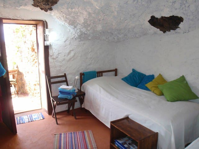 Quiet Caveroom with  great seaview  - Cueva del Agua - Bed & Breakfast