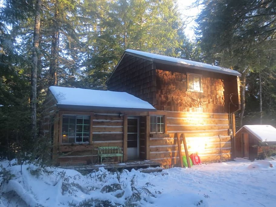 Rustic Sandy River Cabin in the winter...snow not guaranteed :o(