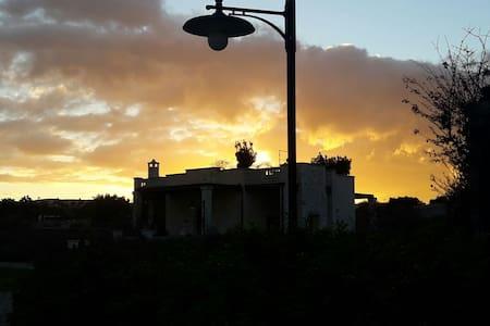 V.PUGLIESE Glicine 4 sleeps 900m to the beach - Monopoli - Casa de camp