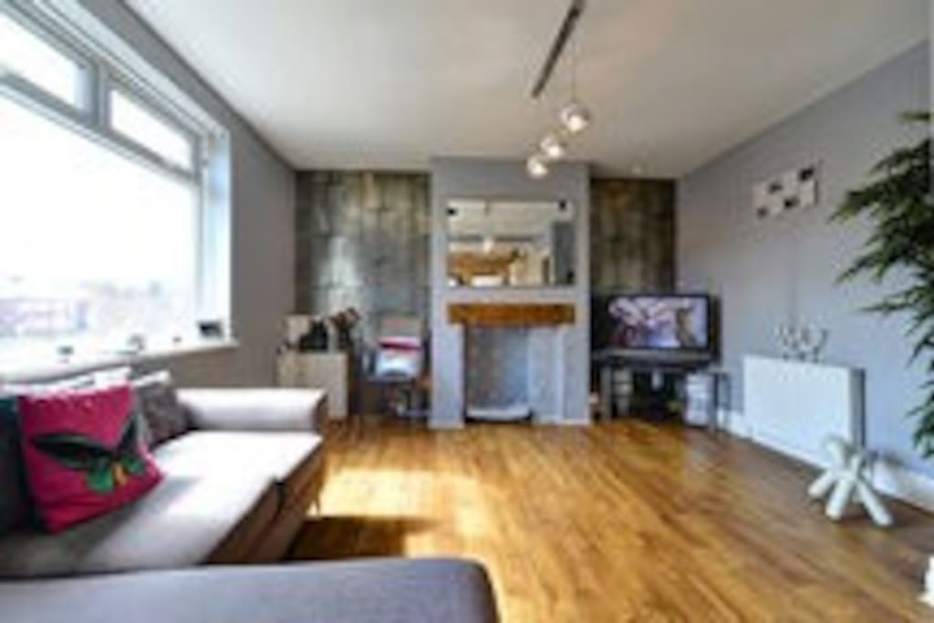 Open plan living/ kitchen