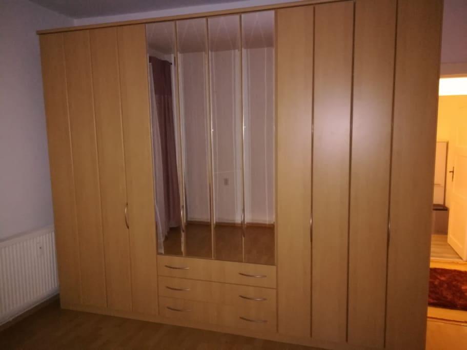 wundersch ne helle 3 zimmer wohnung mit garten condos zur miete in frankfurt oder. Black Bedroom Furniture Sets. Home Design Ideas
